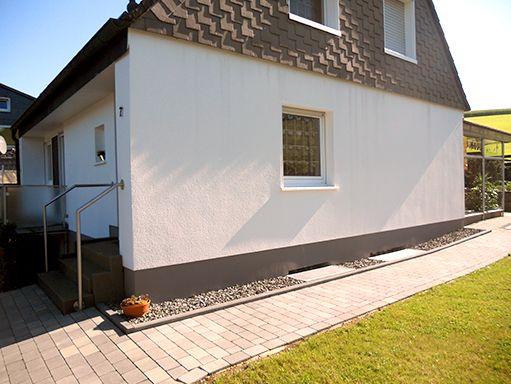 haussockel streichen haussockel haus sockel streichen anleitung und tipps alpina au en. Black Bedroom Furniture Sets. Home Design Ideas